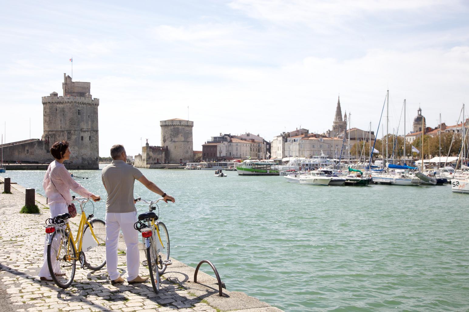 Европа : Ла-Рошель - портовый город на западе Франции