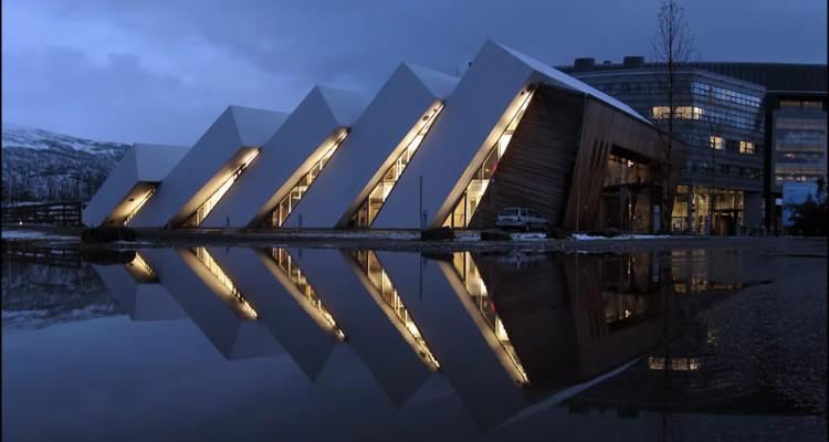 Интересно знать : Тромсе - норвежский Париж